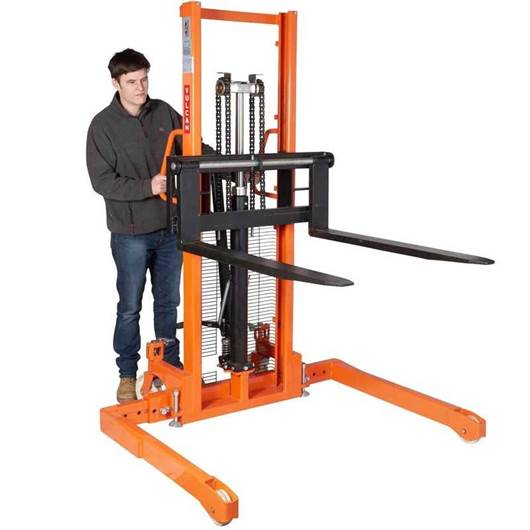 Picture of VULCAN Manual Straddle Stacker with Adjustable Forks